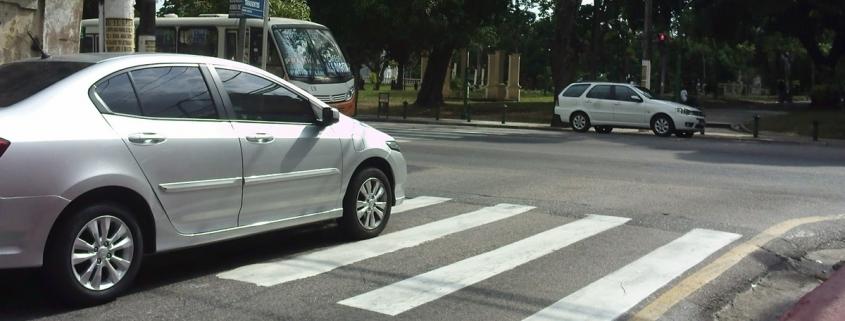 Como recorrer à multa por parar sobre a faixa de pedestres na mudança de sinal luminoso 1