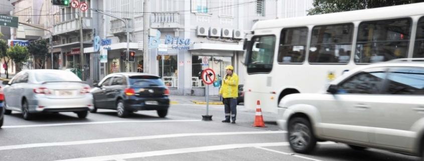 Como recorrer à multa por executar operação de conversão à direita em local proibido pela sinalização 1