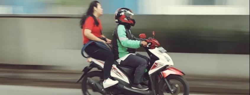 Como recorrer à multa por conduzir motocicleta, motoneta ou ciclomotor transportando passageiro sem capacete 1