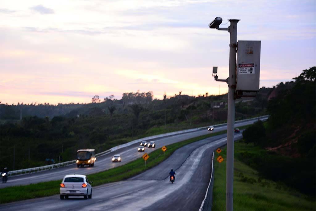4 maneiras para você recorrer da multa de velocidade