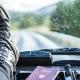 Levei uma multa por dirigir usando calçado errado. O que fazer?